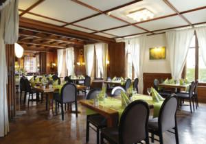 restaurant hotel de l'aigle, couvet, val-de-travers