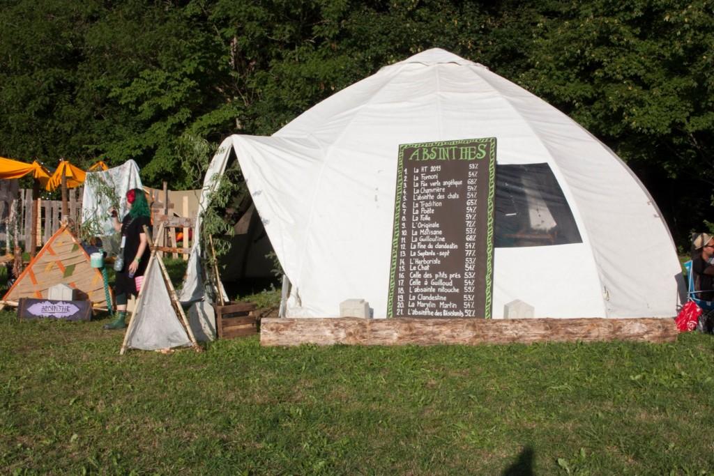 Tente à absinthe, festival Hors Tribu